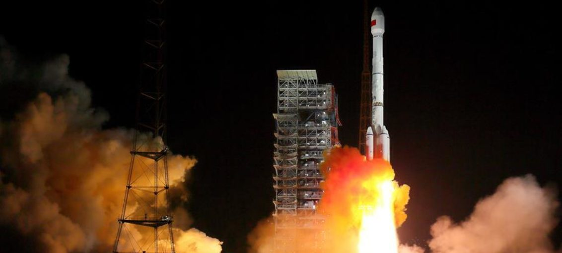 Lanza China satélites de posicionamiento global