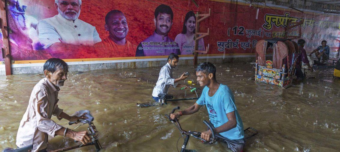 Lluvias dejan centenar de muertos en la India