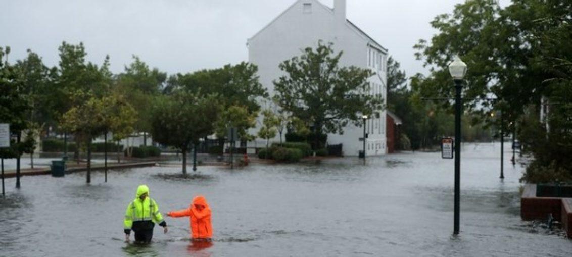 Florence continúa descargando intensas lluvias