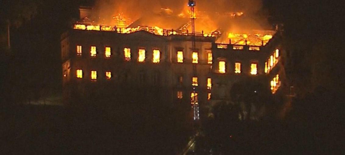 Incendio devora Museo Nacional de Río