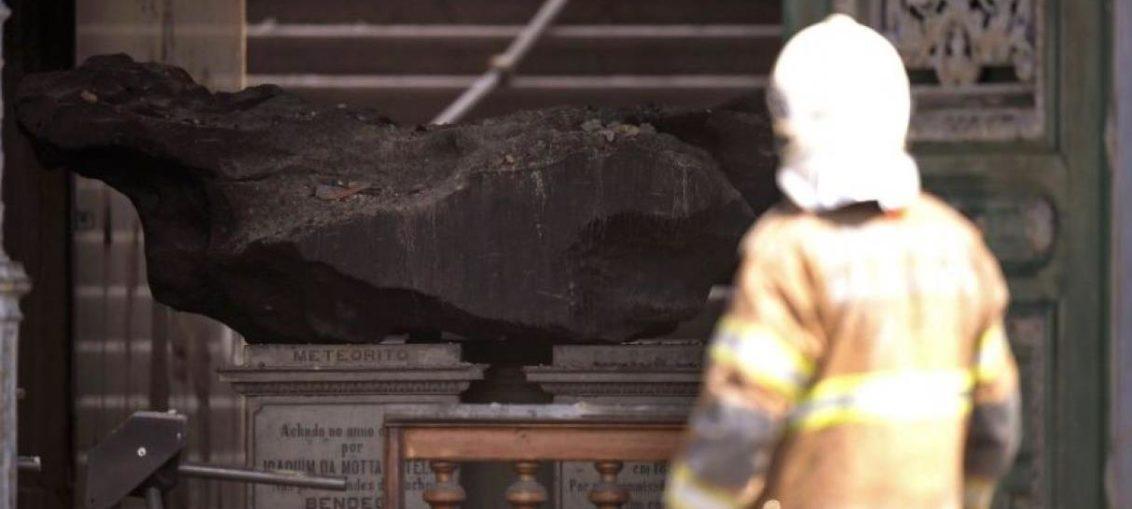 Meteorito sobrevivió a incendio de Museo de Brasil