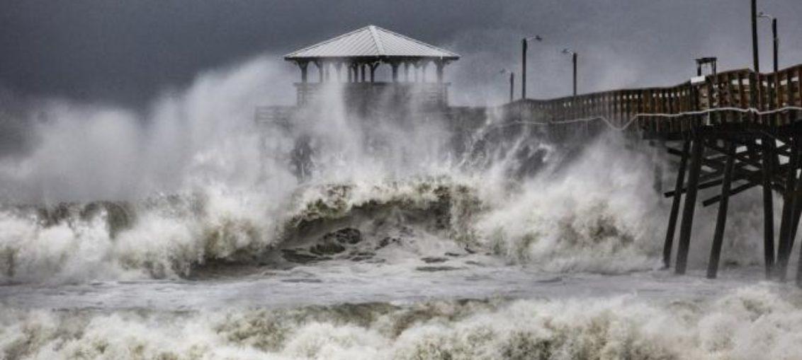 Sufren las Carolinas embates del huracán Florence