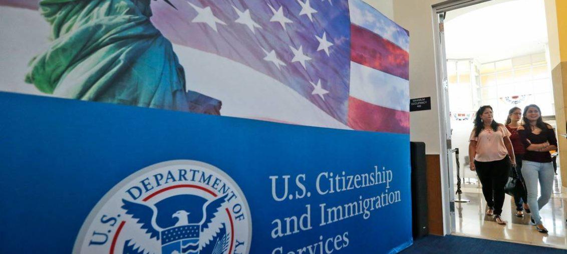 Estafas pueden llevar a deportación de inmigrantes legales