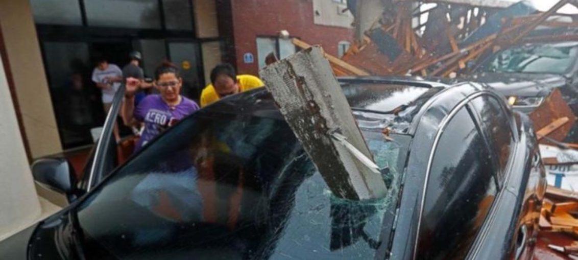 Florida: 1 muerto, inundaciones y 400000 sin luz por huracán