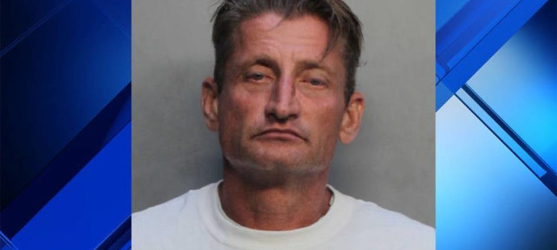 Hombre en Miami-Dade asesinó a su madre y a su abuela
