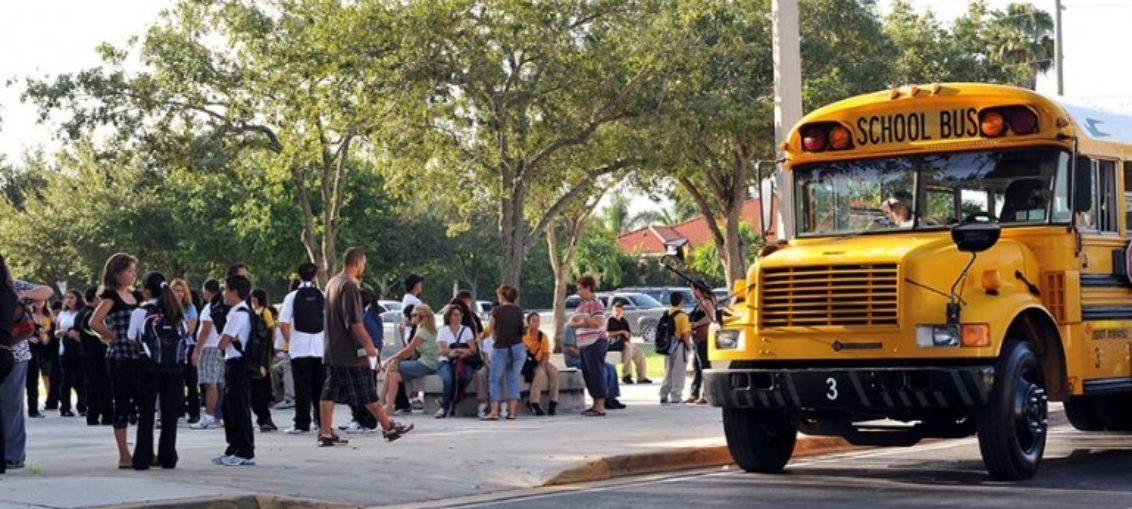Director de escuela es acusado de robar a niño con necesidades especiales
