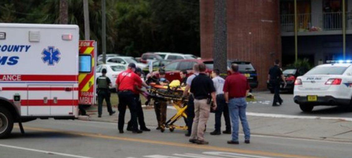 Dos muertos y varios heridos por disparos en estudio de yoga