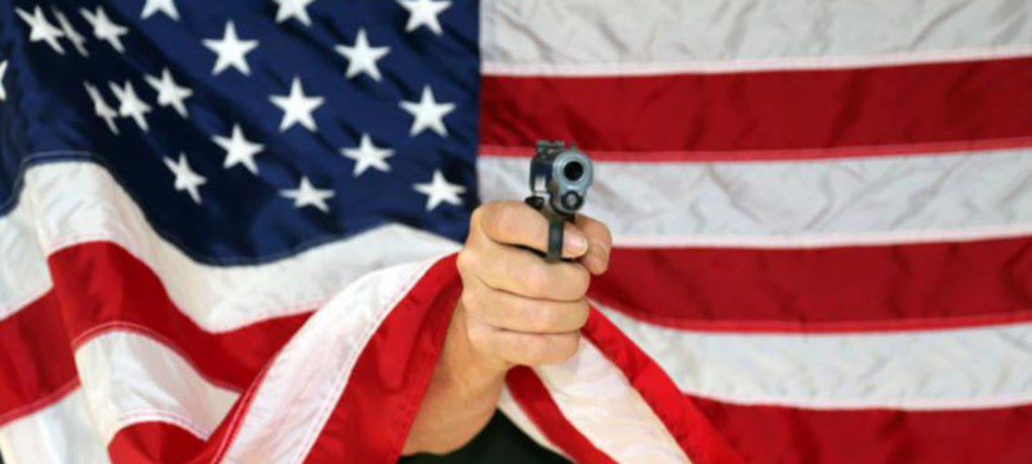 Hombre asesinó a dos personas al tirotear a multitud en Miami